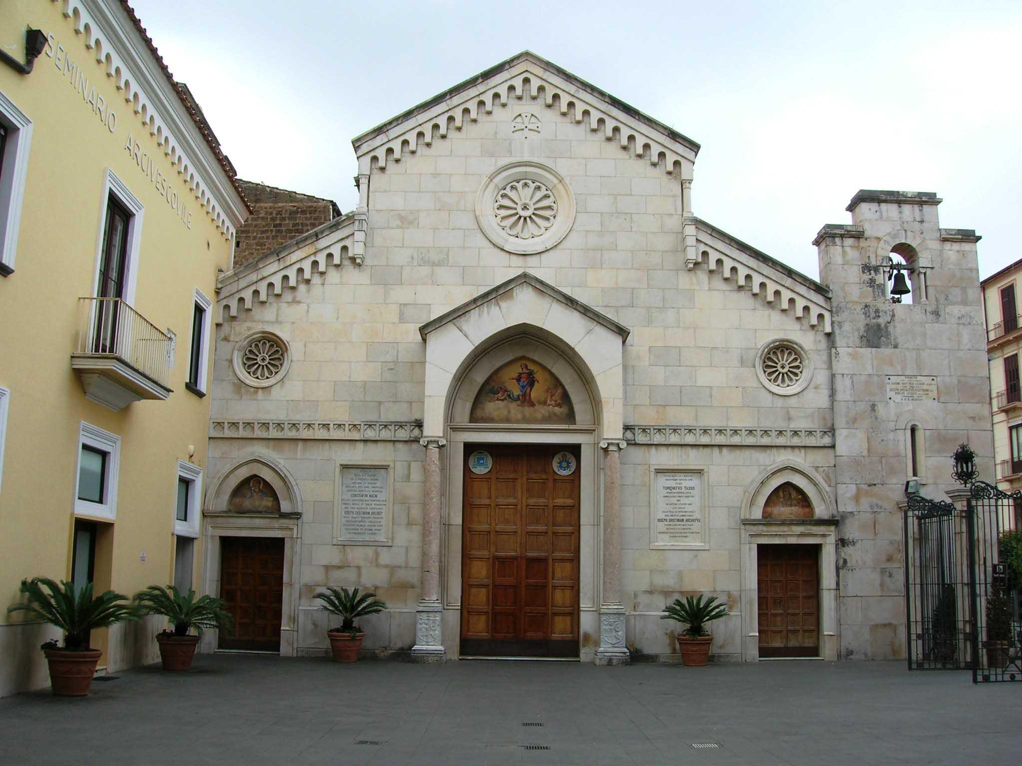 Cattedrale dei Santi Filippo e Giacomo 1 copia   Lubrense Boats